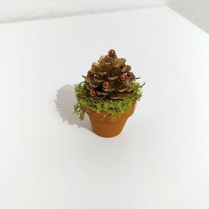 Karácsonyfa asztaldísz / kísérőajándék, Karácsony & Mikulás, Karácsonyi dekoráció, Mindenmás, Kitünő lehet karácsonyi ajándék kísérőjeként is. Kb. 8 cm magas. , Meska