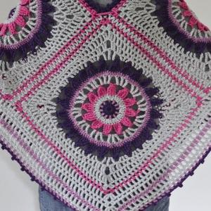 Lila mandala -  szürke, lila és ciklámen színből készült horgolt poncsó. Jöhet a tavaszl! (Taffa) - Meska.hu