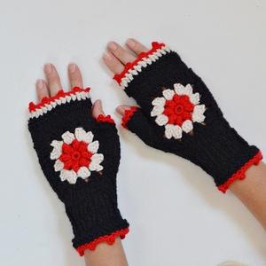 Piros karácsony - kötött kézmelegítő piros virág díszítéssel. Jöhet a tél!, Ruha & Divat, Sál, Sapka, Kendő, Kesztyű, Horgolás, Kötés, Karácsonyi piros plasztikus horgolt virág díszíti ezt a kézmelegítőt, mely szabadon hagyja az ujjvég..., Meska