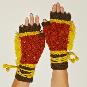 Indián  -  kötött kézmelegítő toll mintával és levehető horgolt zsinórral.  Meleg őszi színekben., Táska, Divat & Szépség, Ruha, divat, Sál, sapka, kesztyű, Kesztyű, Horgolás, Kötés, Indián toll - indián nyár színei :-)\nSaját tervezésem ez a meleg kézmelegítő, melynek kézfején egy t..., Meska
