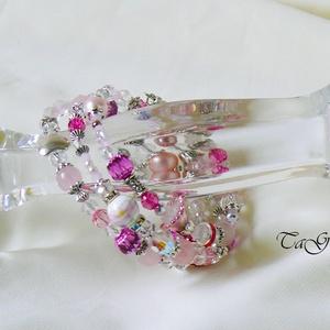 Pinky karperec, Ékszer, Karkötő, Memóriadrótos karkötő, Ékszerkészítés, Pink és rózsaszín valamint fehér és ezüstszínű gyöngyök, fémelemek, swarovski kristályok, porcelán g..., Meska