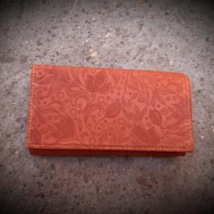 Tulipános narancssárga/barna női bőr pénztárca, Táska, Divat & Szépség, Táska, Pénztárca, tok, tárca, Pénztárca, Bőrművesség, Varrás, Ez a bőr pénztárca brifkó jellegű, alapanyaga bőr: a felszíni rész mintás, narancsos barna színű mar..., Meska