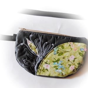 Lilly - szürke -virágos övtáska, Táska, Táska, Divat & Szépség, Válltáska, oldaltáska, Ballagás, Ünnepi dekoráció, Dekoráció, Otthon & lakás, Varrás, Patchwork, foltvarrás, Sötétszürke övtáska virágmotívummal, első zsebbel.\n\nErős cipzárral. 2 cm-es pánttal, ami állítható.\n..., Meska
