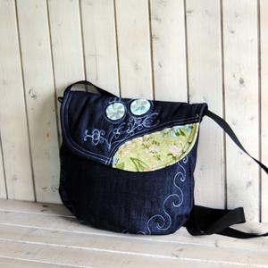Kate sötétkék hímzett női farmer táska, válltáska, Válltáska, Kézitáska & válltáska, Táska & Tok, Varrás, Női himzett táska.\nKérésre méretet teszek fel, Meska