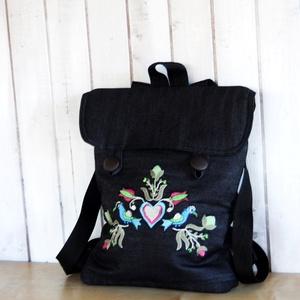 Hímzett virágos hátizsák, Hátizsák, Hátizsák, Táska & Tok, Varrás, Hímzett hátizsák.\n \nKérésre pontos méretet teszek fel., Meska
