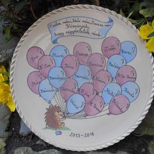Lufis - sünis  emlék tál, Otthon & lakás, Dekoráció, Ünnepi dekoráció, Ballagás, Kerámia, Kézzel festett bézs színű korongozott kerámia tál,ballagási emléknek.\nA tányér átmérője 24 cm,falra ..., Meska