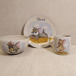 Tom és  Jerry, Otthon & Lakás, Konyhafelszerelés, Tányér & Étkészlet, Kerámia, 3 részből álló beige alapszínű kerámia gyermek étkészlet saját kézzel festve, Tom és Jerry mintával...., Meska