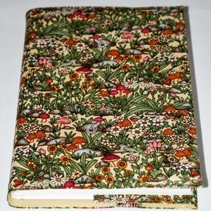 Gombás-békás könyvborító, Otthon & Lakás, Könyv- és füzetborító, Papír írószer, A természet szeretete ihlette ezt a vidám gombás és békás textil könyvborítót. Pamutvászonból készül..., Meska