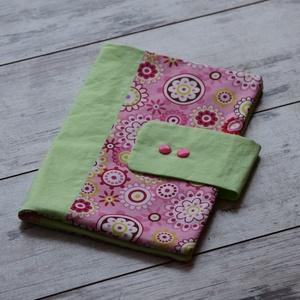 Almazöld és rózsaszín virágos pelenkázó táska, Gyerek & játék, Baba-mama kellék, A pelenkázó táskát a kényelmes és higiénikus pelenkázás érdekében készítettük el Nektek. A táska pra..., Meska