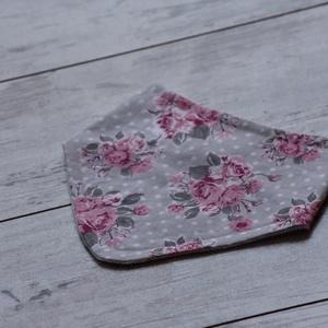 Romantikus rózsa nyálkendő, Gyerek & játék, Baba-mama kellék, Praktikus, könnyen mosható nyálkendő babáknak. Az egyik oldala pamutvászon, amely oeko- tex tanúsítv..., Meska