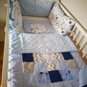 Világoskék és szürke patchwork mintás babatakaró, Gyerek & játék, Baba-mama kellék, Patchwork mintás egyedi baba takarót készítettünk a csöppségeknek. Igényesen összeválogatott színekb..., Meska