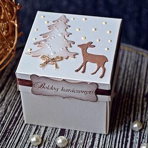 """""""Őzike télen"""" Idézetes karácsonyi doboz, Otthon & lakás, Naptár, képeslap, album, Ajándékkísérő, Képeslap, levélpapír, Papírművészet, Idézetes karácsonyi ajándékdobozt készítettem, melynek egy díszes közepet álmodtam meg, ahová apró ..., Meska"""