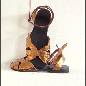 """""""aranyeső"""" design bőr szandál., Táska, Divat & Szépség, Cipő, papucs, Arany színű bőr szandál    Egyedi tervezésű és kivitelezésű cipők, minden modell, az éppen aktuális ..., Meska"""
