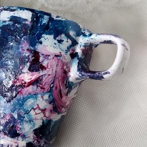 \'Univerzum\' mintájú absztrakt festett bögre, Otthon & lakás, Konyhafelszerelés, Bögre, csésze, Egyéb, Festett tárgyak, Mindenmás, A színes univerzumot imitáló színek teljesen beborítják a kezdetben fehér bögrét. \nKávézás vagy teáz..., Meska