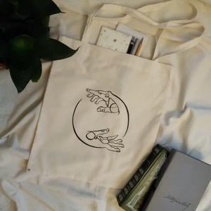 kezek harmóniája, kézzel festett natúr vászontáska, Táska & Tok, Bevásárlás & Shopper táska, Shopper, textiltáska, szatyor, Mindenmás, Varrás, Meska