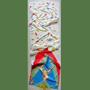 Kézzel festett karácsonyi selyemkendő, Ékszer, Karácsony, Karácsonyi dekoráció, Táska, Divat & Szépség, Ruha, divat, Kendő, Selyemfestés,  Nyak köré tekerve vagy asztali futóként is tökéletesen használható kendő.\nA mintán karácsonyi égőso..., Meska