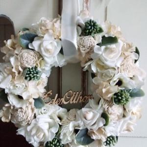 Beige,selyemvirág koszorú,ajtódísz, Otthon & lakás, Lakberendezés, Ajtódísz, kopogtató, Koszorú, Dekoráció, Virágkötés, Különféle selyemvirágokból készítettem a koszorút némi zöld felhasználásával.Ajándékba is adhatod va..., Meska