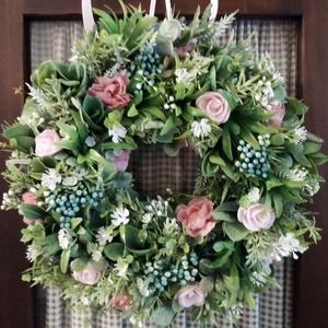 Virágkoszorú,ajtódísz(rózsaszín-kék), Otthon & lakás, Dekoráció, Lakberendezés, Ajtódísz, kopogtató, Koszorú, Virágkötés, Rengeteg zöld(mű), bogyó és apró selyemvirágok és polifoam rózsa felhasználásával készítettem a kosz..., Meska