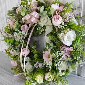 Tavaszi virágkoszorú,ajtódísz(rózsaszín), Otthon & Lakás, Dekoráció, Ajtódísz & Kopogtató, Virágkötés, Ezt a kedves virágkoszorút rengeteg zöld(mű) és apró selyemvirágok felhasználásával készítettem.Szat..., Meska