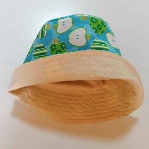 Nyári kiskalap - almák , Ruha & Divat, Babaruha & Gyerekruha, Babasapka, Varrás, Pamutvászonból készült nyári kiskalapot hoztam nektek!\nEz egy bemutató darab volt, hogy hogyan is ké..., Meska