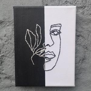 Fekete-fehér hímzett kép, Otthon & lakás, Dekoráció, Dísz, Kép, Festett tárgyak, 15x20 cm nagyságú vászonra, fekete és fehér akrilfestékkel festett kép, fekete és fehér fonallal hím..., Meska