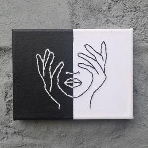 Fekete-fehér hímzett kép, Otthon & lakás, Dekoráció, Dísz, Kép, Festett tárgyak, 15x20 cm nagyságú vászonra készült, akril festékkel festett kép, melyen a minta fekete és fehér fona..., Meska