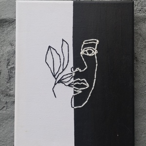 Fekete-fehér hímzett kép, Otthon & lakás, Dekoráció, Kép, Dísz, Festett tárgyak, 20x25 cm nagyságú vászonra, akeil festékkel festett kép, melyen a minta fekete és fehér fonallal let..., Meska