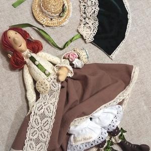 Kisasszony sétához öltözve Tilda jellegű textil baba, Otthon & lakás, Dekoráció, Dísz, Varrás, 40 cm magas textil baba klasszikus hangulatú ruhában, köpenyben, kalapban, kis virágos kosárkával.\nT..., Meska