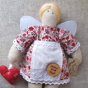 Gazdasszonyka, kicsi, Tilda szabásminta felhasználásával, Otthon & lakás, Dekoráció, Gyerek & játék, Varrás, kb. 24 cm  textil gazdasszonyka.\nTilda szabásminta felhasználásával készítettem. Szeretettel öltözte..., Meska