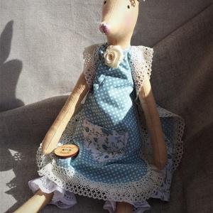 Róka lányka textil baba, Tilda baba szabásminta alapján, Otthon & lakás, Dekoráció, Dísz, Varrás, 40 cm magas textil rókalány.\nTilda szabásminta alapján készítettem, saját elképzelés szerint öltözte..., Meska
