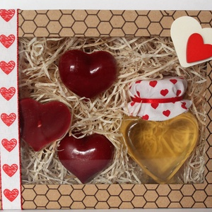 Csupa szív díszdoboz, Élelmiszer, Méz & Propolisz, Élelmiszer előállítás, Gyertya-, mécseskészítés, Ajándékozz Valentin napra szíves-mézes díszdobozt kedvesednek! \nTalán a mézédes közös élet titka, ho..., Meska