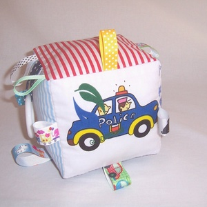 Baby csörgős kocka traktoros (textilcseppek) - Meska.hu