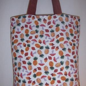 Gomba mintás táska , Táska, Divat & Szépség, NoWaste, Táska, Válltáska, oldaltáska, Otthon & lakás, Varrás, Gomba mintás vastagabb vászonanyagból készítettem ezt a táskát.\n\nOldalán és alján dupla varrással. \n..., Meska