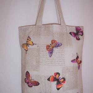 Drapp pillangó mintás táska normál füllel, Táska, Divat & Szépség, Táska, Szatyor, Válltáska, oldaltáska, NoWaste, Bevásárló zsákok, zacskók , Varrás, Drapp pillangó mintás vastagabb vászonanyagból készítettem ezt a táskát.\n\nOldalán és alján dupla var..., Meska