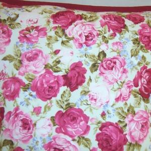 Bordó rózsás párna  (textilcseppek) - Meska.hu