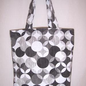 Fekete kör mintás táska , Táska, Divat & Szépség, Táska, NoWaste, Bevásárló zsákok, zacskók , Szatyor, Válltáska, oldaltáska, Varrás, Fekete kör mintás vastagabb vászonanyagból készítettem ezt a táskát.\n\nOldalán és alján dupla varráss..., Meska
