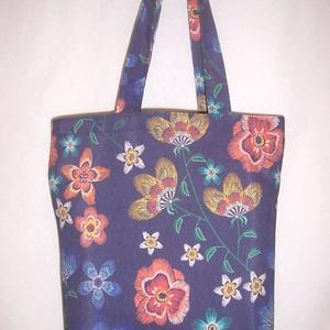 Kék virág mintás táska , NoWaste, Táska, Divat & Szépség, Táska, Szatyor, Válltáska, oldaltáska, Varrás, Kék alapon narancs virág mintás vastagabb vászonanyagból készítettem ezt a táskát.\n\nOldalán és alján..., Meska