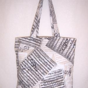 Drapp kotta mintás táska , NoWaste, Bevásárló zsákok, zacskók , Táska, Divat & Szépség, Táska, Szatyor, Válltáska, oldaltáska, Varrás, Drapp alapon kotta mintás pamutvászonból készítettem ezt a táskát.\n\n\nOldalán és alján dupla varrássa..., Meska