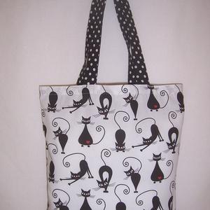 Fekete cica mintás táska fehér , NoWaste, Bevásárló zsákok, zacskók , Táska, Divat & Szépség, Táska, Szatyor, Válltáska, oldaltáska, Varrás, Fehér alapon fekete cica mintás 100 % vékony vászon anyagból készítettem ezt a táskát!\n\nPöttyös füll..., Meska