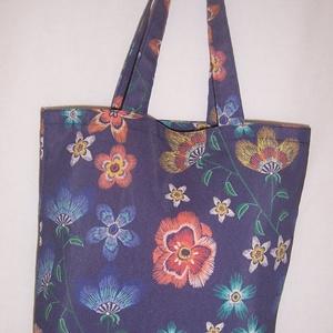 Kék virág mintás táska , NoWaste, Bevásárló zsákok, zacskók , Táska, Divat & Szépség, Táska, Válltáska, oldaltáska, Szatyor, Varrás, Kék alapon narancs virág mintás vastagabb vászonanyagból készítettem ezt a táskát.\n\nOldalán és alján..., Meska