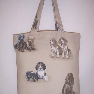 Drapp kutya mintás táska normál füllel, NoWaste, Bevásárló zsákok, zacskók , Táska, Divat & Szépség, Táska, Szatyor, Válltáska, oldaltáska, Varrás, Drapp alapon kutya mintás vastagabb vászonanyagból készítettem ezt a táskát.\n\nOldalán és alján dupla..., Meska