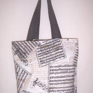 Drapp kotta mintás táska , Táska, Divat & Szépség, Táska, Szatyor, Válltáska, oldaltáska, NoWaste, Bevásárló zsákok, zacskók , Varrás, Drapp alapon kotta mintás pamutvászonból készítettem ezt a táskát.\n\nOldalán és alján dupla varrással..., Meska