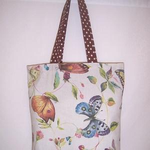 Pillangó mintás táska , Táska & Tok, Bevásárlás & Shopper táska, Shopper, textiltáska, szatyor, Pillangó mintás vastagabb vászonanyagból készítettem ezt a táskát.  Oldalán és alján dupla varrással..., Meska