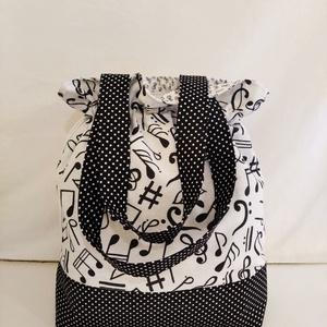 """Fehér-fekete hangjegy mintás """"batyu"""" táska bélelt, normál füllel  - Meska.hu"""