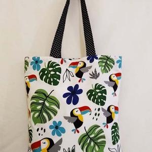 Tukán mintás táska , Táska & Tok, Bevásárlás & Shopper táska, Shopper, textiltáska, szatyor, Varrás, Tukán mintás 100 % vékony vászon anyagból készítettem ezt a táskát!\n\nOldalán és alján dupla varrássa..., Meska