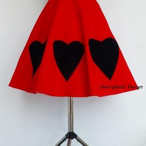 Cherryland Design Valentine\'s Collection/ Vörös Nagy Szívek  Szoknya /Alsószoknya., Táska, Divat & Szépség, Női ruha, Ruha, divat, Szoknya, Szerelmeseknek, Ünnepi dekoráció, Dekoráció, Otthon & lakás, Varrás, Cherryland Design Valentine\'s Collection/ Vörös Nagy Szívek  Szoknya /Alsószoknya.\nCherryland Design..., Meska