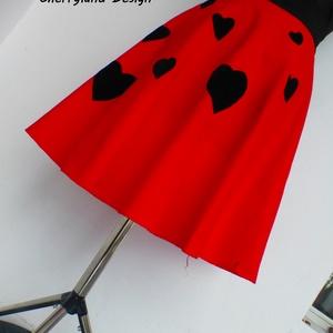 Cherryland Design Valentine\'s Collection / Vörös Szívek  szoknya., Táska, Divat & Szépség, Női ruha, Ruha, divat, Szoknya, Szerelmeseknek, Ünnepi dekoráció, Dekoráció, Otthon & lakás, Varrás, Cherryland Design Valentine\'s Collection / Vörös Szívek  szoknya.\nEgyedi méretben és kivitelben kész..., Meska
