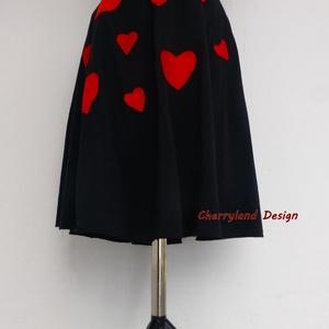 Cherryland  Design Valentine\'s Collection / Fekete Szívek  szoknya., Táska, Divat & Szépség, Női ruha, Ruha, divat, Szoknya, Szerelmeseknek, Ünnepi dekoráció, Dekoráció, Otthon & lakás, Varrás, Cherryland  Design Valentine\'s Collection / Fekete Szívek  szoknya. \nEgyedi méretben és kivitelben k..., Meska