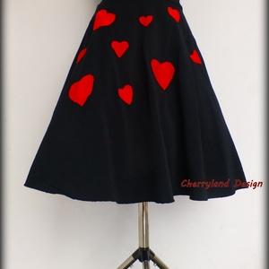 Cherryland Design Valentine\'s  Collection / Fekete Szívek  szoknya /Alsószoknya., Táska, Divat & Szépség, Női ruha, Ruha, divat, Szoknya, Szerelmeseknek, Ünnepi dekoráció, Dekoráció, Otthon & lakás, Varrás, Cherryland Design Valentine\'s  Collection / Fekete Szívek  szoknya /Alsószoknya. \nEgyedi méretben és..., Meska