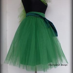 Cherryland Design  Zöld Tüll Szoknya/Green Tulle Skirt., Táska, Divat & Szépség, Gyerekruha, Ruha, divat, Női ruha, Szoknya, Varrás, Cherryland Design Zöld Tüll Szoknya\nEgyedi méretek alapján , megrendelésre készül.\nA szoknya elkészí..., Meska